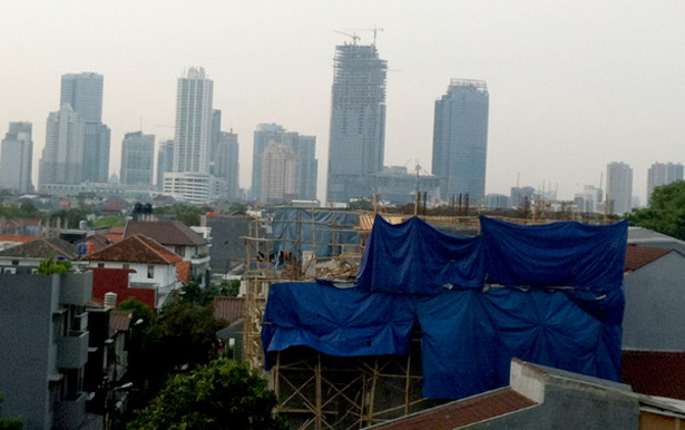 The view from my hotel room... the sky is always hazy in Jakarta because of the polluted air :(