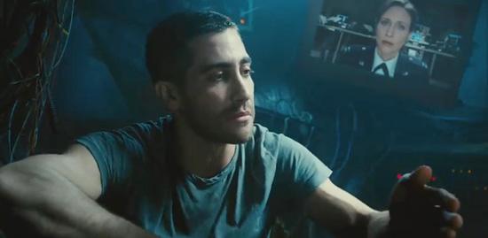 jake-gyllenhaal-vera-farmiga-source-code-2011