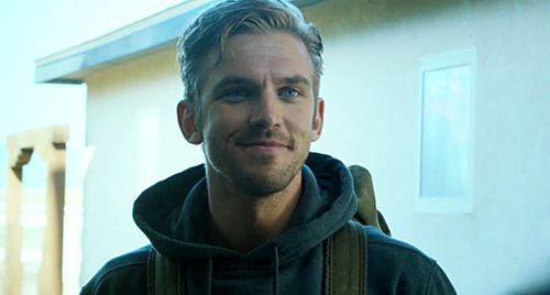 TheGuest_DanStevens