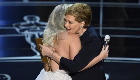 Gaga_Andrews_Oscar15