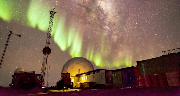 AntarticaAYearOnIce_Pic2