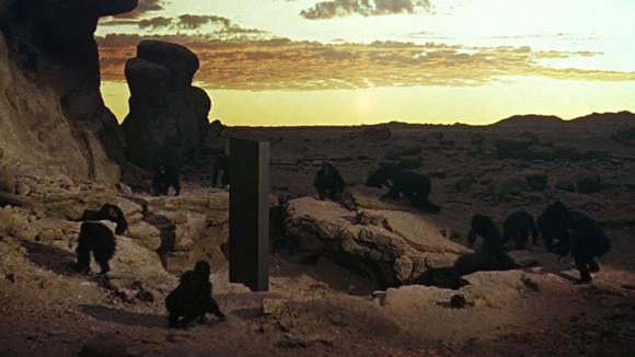 2001_Apes_monolith