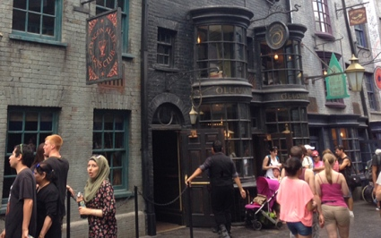 Diagon Alley Arts Club