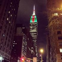 [hubby's shot] Empire State Bldg w/ festive Christmas lights