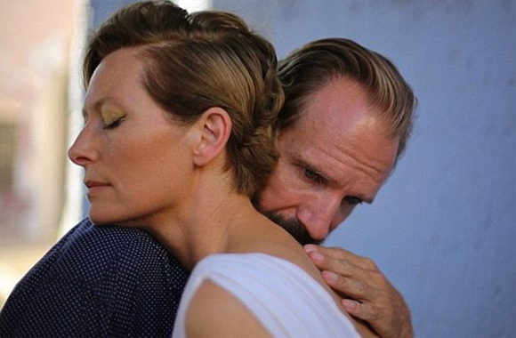 ABiggerSplash_Swinton_Fiennes