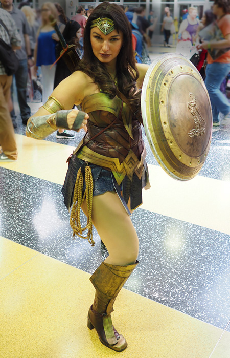 Wonder Woman ready to strike!