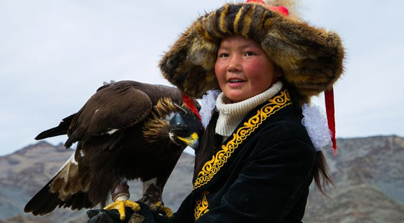 eaglehuntress_aisholpan