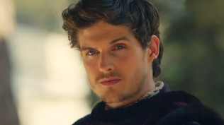daniel-sharman-young-lorenzo