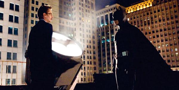 Batman Begins -Batman Commissioner Gordon