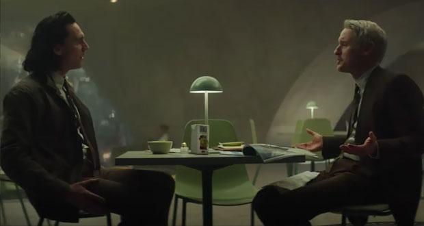 Loki-Mobius-lunchroom